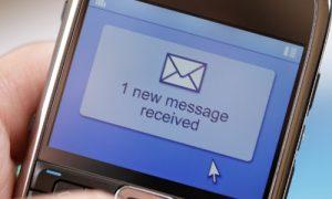 Quảng cáo qua tin nhắn điện thoại đang là hình thức hữu hiệu được nhiều doanh nghiệp sử dụng.