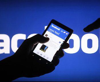 Điện thoại di động đang là phương tiện giúp người dùng đăng nhập Facebook nhiều nhất