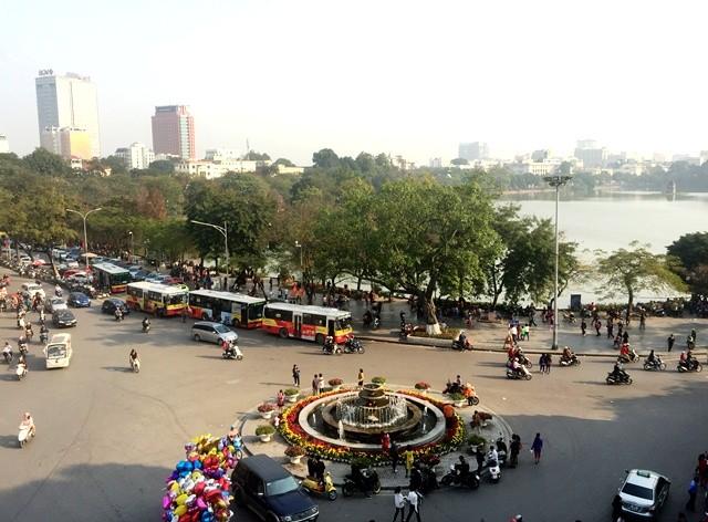 Hồ Hoàn Kiếm là một trong những khu vực trọng điểm không được quảng cáo.