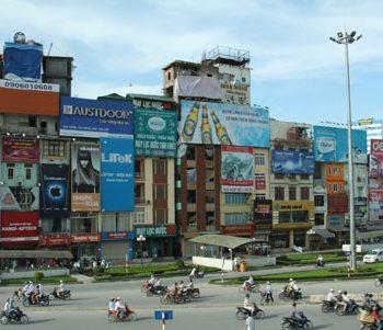 """Quảng cáo ngoài trời tại Hà Nội vẫn nhiều doanh nghiệp muốn """"lấn sân"""""""