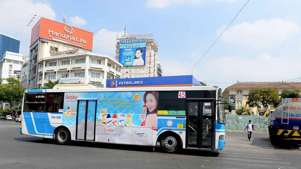 Quảng cáo tràn kính trên xe bus Hồ Chí Minh