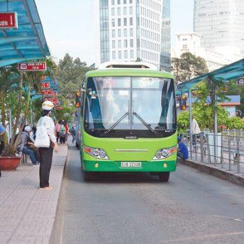 Năm 2017, TP HCM sẽ thay 850 xe buýt sử dụng nhiên liệu sạch CNG - Ảnh: Đỗ Loan