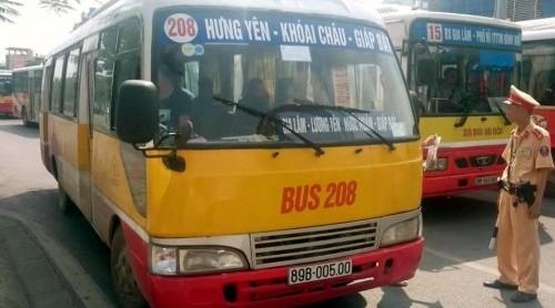 Hà Nội sẽ kiểm soát xe buýt nhái không có giấy phép.