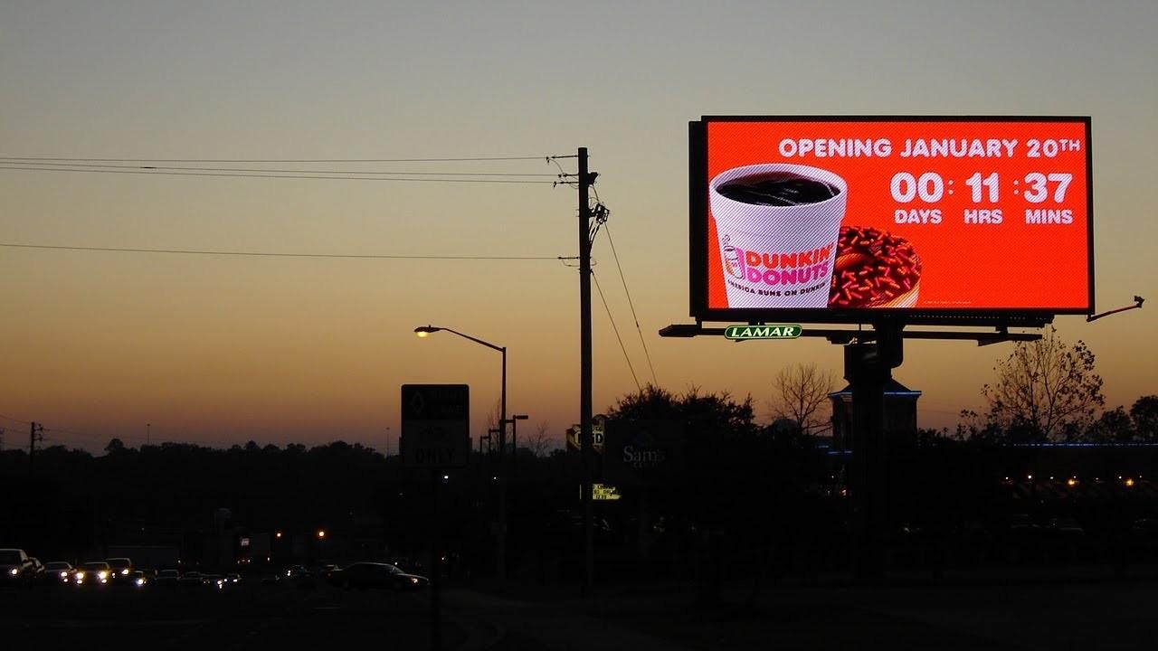 phương tiện quảng cáo ngoài trời