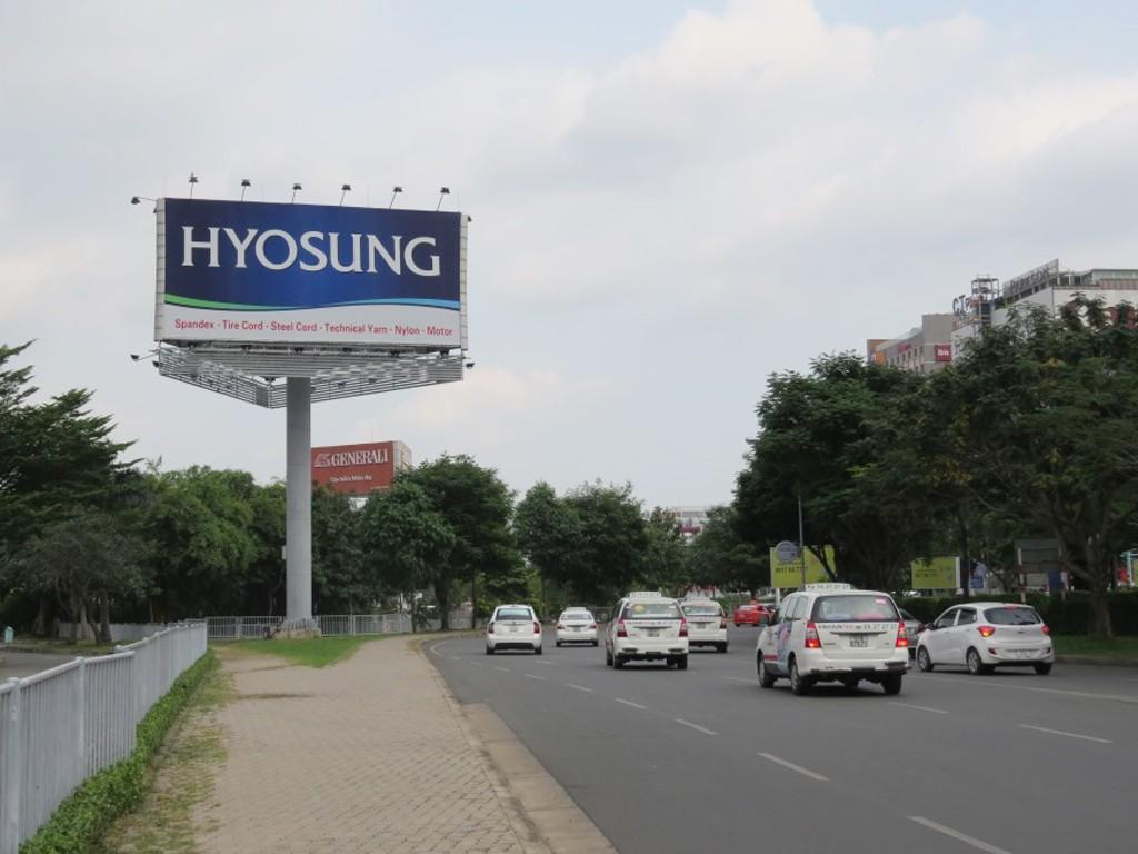 Vị trí trụ billboard ba mặt trong khuôn viên sân bay Tân Sơn Nhất