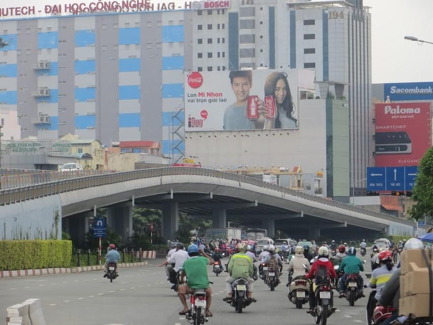 billboard-tphcm-1