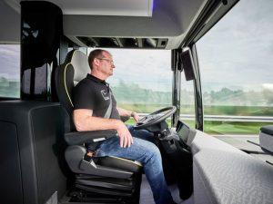 """Future Bus vẫn cần đến một """"bác tài""""."""
