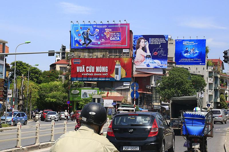 Quảng cáo ngoài trời tại Việt Nam