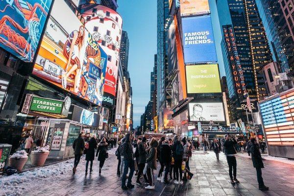 Biển quảng cáo ngoài trời: Trọn bộ thông tin, báo giá 2021