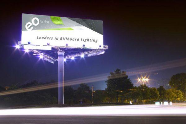 đèn rọi biển quảng cáo ngoài trời