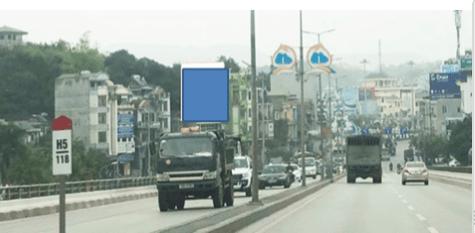 Pano quảng cáo tại chân cầu Bãi Cháy, TP.Hạ Long, Quảng Ninh
