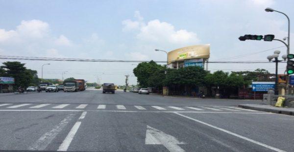 Pano quảng cáo trên Quốc lộ 10, Nam Định