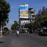 Billboard tại vòng xoay Hòa Bình, Trần Phú, Bạc Liêu