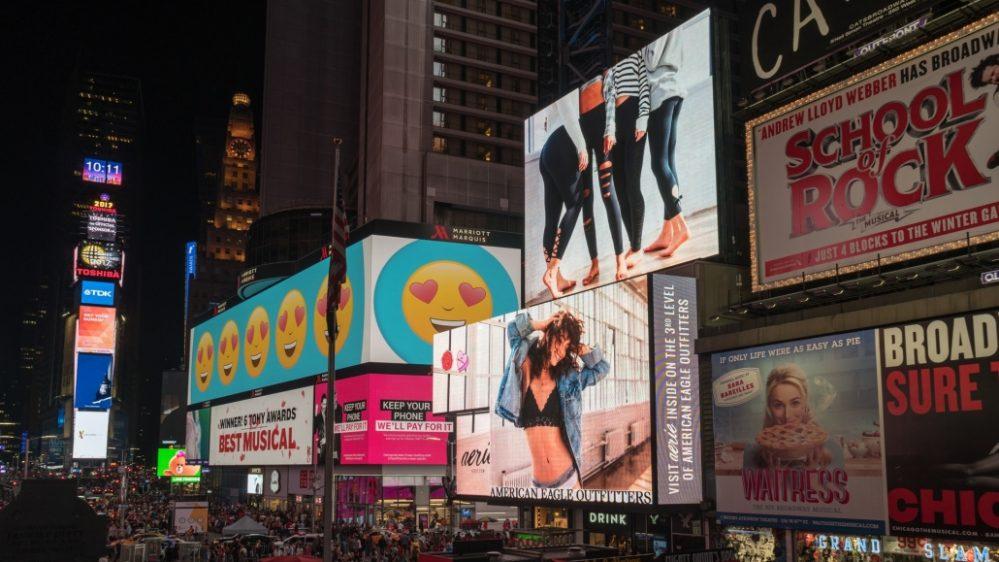 Báo giá màn hình LED quảng cáo trong nhà - ngoài trời