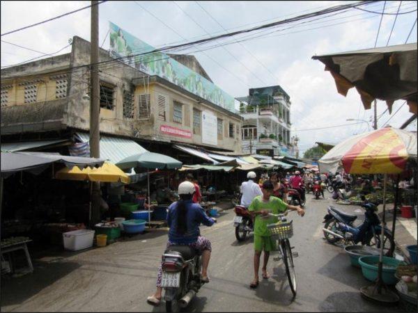 Biển quảng cáo Chợ Bình Chánh, Quận Bình Chánh, TPHCM