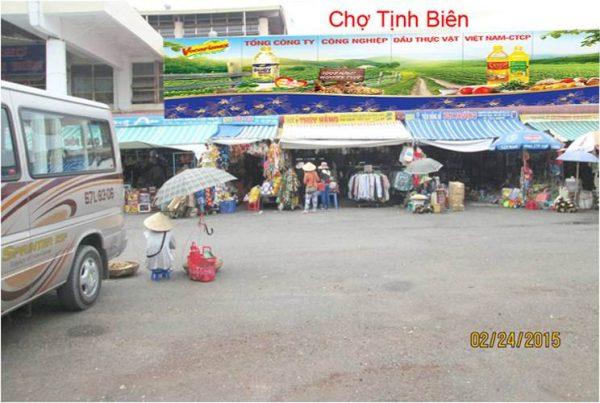 Biển quảng cáo chợ Tịnh Biên, An Giang
