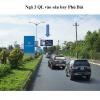 Billboard quảng cáo gần sân bay Phú Bài, Thừa Thiên Huế