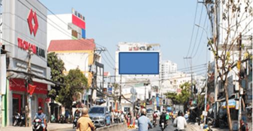 Pano quảng cáo tại 650 Huỳnh Tấn Phát, Quận 7, TPHCM