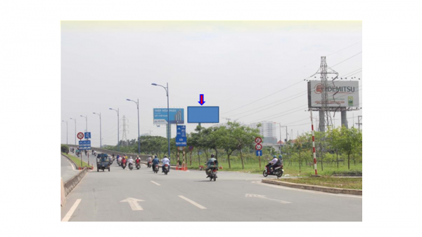 Billboard quảng cáo tại Cầu Rạch Chiếc, Xa lộ Hà Nội, Quận 2, TPHCM