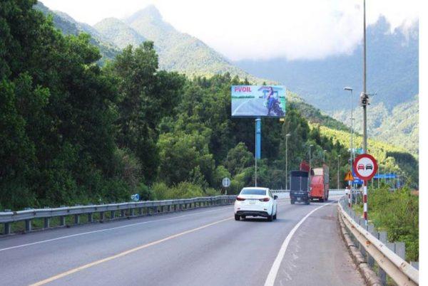 Billboard tại QL1A, Cửa hầm phía Nam Hải Vân, Đà Nẵng