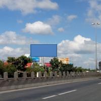 Billboard đặt trên Quốc lộ 1A, khu vực Ấp Thống, Tiền Giang