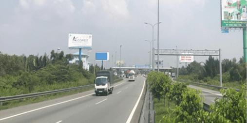 Billboard tại Trạm thu phí Long Phước, Cao tốc TPHCM - Long Thành