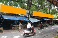 Biển quảng cáo ở chợ Tựu Liệt, Thanh Trì, Hà Nội