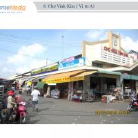 Biển quảng cáo tại Chợ Giữa Vĩnh Kim, Tiền Giang