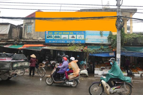 Biển quảng cáo chợ Lĩnh Nam, Hai Bà Trưng, Hà Nội