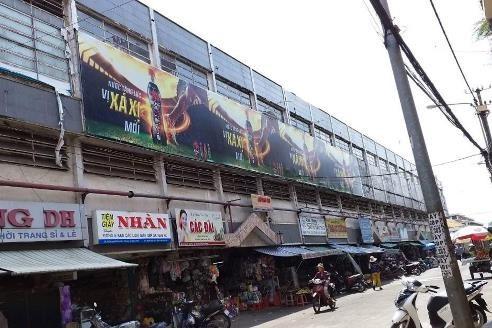 Biển quảng cáo tại Chợ Thủ Dầu Một, Bình Dương