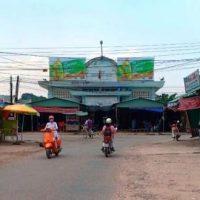 Biển quảng cáo tại Chợ Trường Lưu, Tây Ninh