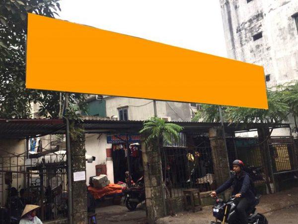 Biển quảng cáo chợ Yên Phụ, Tây Hồ, Hà Nội