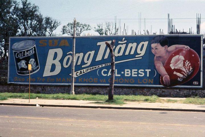 Biển quảng cáo Sài Gòn xưa