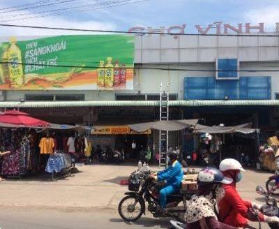 Biển quảng cáo tại Chợ Vĩnh Bảo, Kiên Giang