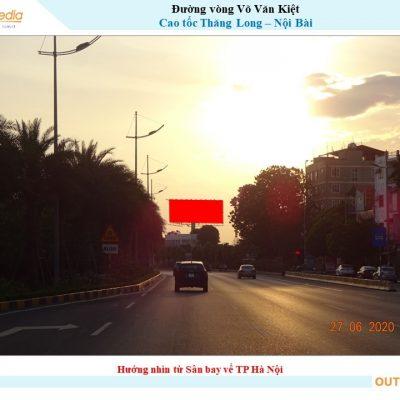 Billboard trên Đường cong Võ Văn Kiệt, Cao tốc Thăng Long - Nội Bài