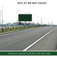 Biển quảng cáo billboard ở ngã tư Kế, Bắc Giang