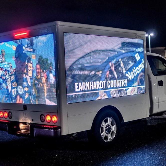 Quảng cáo màn hình LED di động kỹ thuật số trên xe tải
