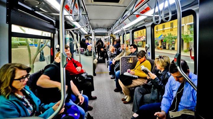 Quảng cáo nội thất xe buýt