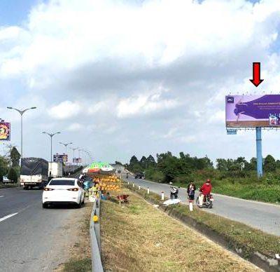 Billboard tại cầu Cần Thơ, quốc lộ 1A, Bình Minh, Vĩnh Long