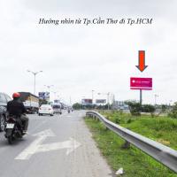 Billboard quảng cáo tại CCT22, đường dẫn Cầu Cần Thơ, Cần Thơ