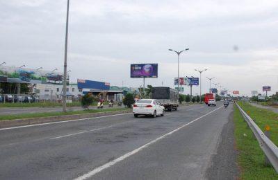 Billboard tại điểm CCT24, đường dẫn Cầu Cần Thơ, Cần Thơ