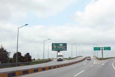 Billboard tại Km74+180(P) trên cao tốc Hà Nội – Hải Phòng