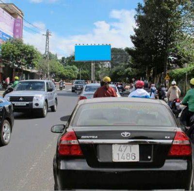 Billboard tại ngã ba Phan Bội Châu - Lê Thánh Tông, Buôn Ma Thuột