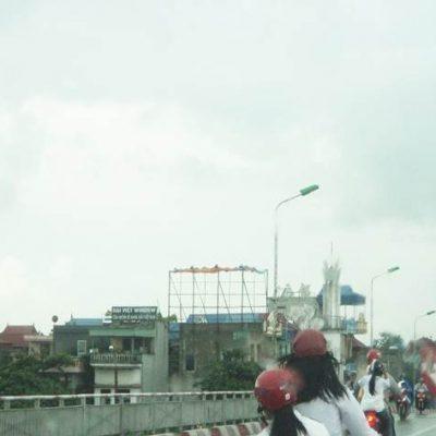 Pano quảng cáo tại cầu Đò Quan, Nam Định