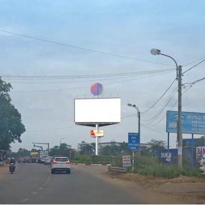 Billboard quảng cáo tại Nút giao thông phía Bắc, Quảng Ngãi
