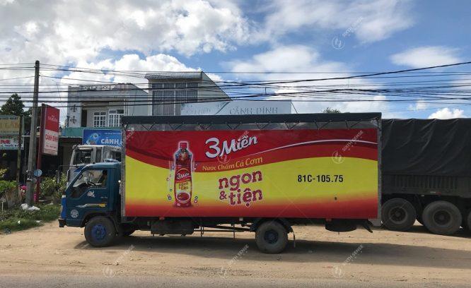 báo giá quảng cáo trên xe tải