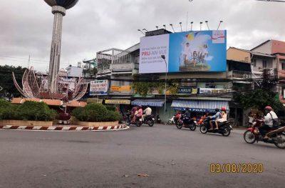 Pano quảng cáo tại vòng xoay Ấp Bắc, Mỹ Tho, Tiền Giang