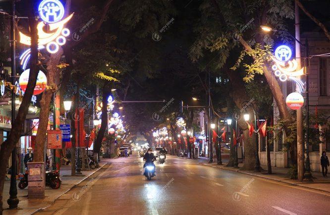trang trí đường phố ngày tết